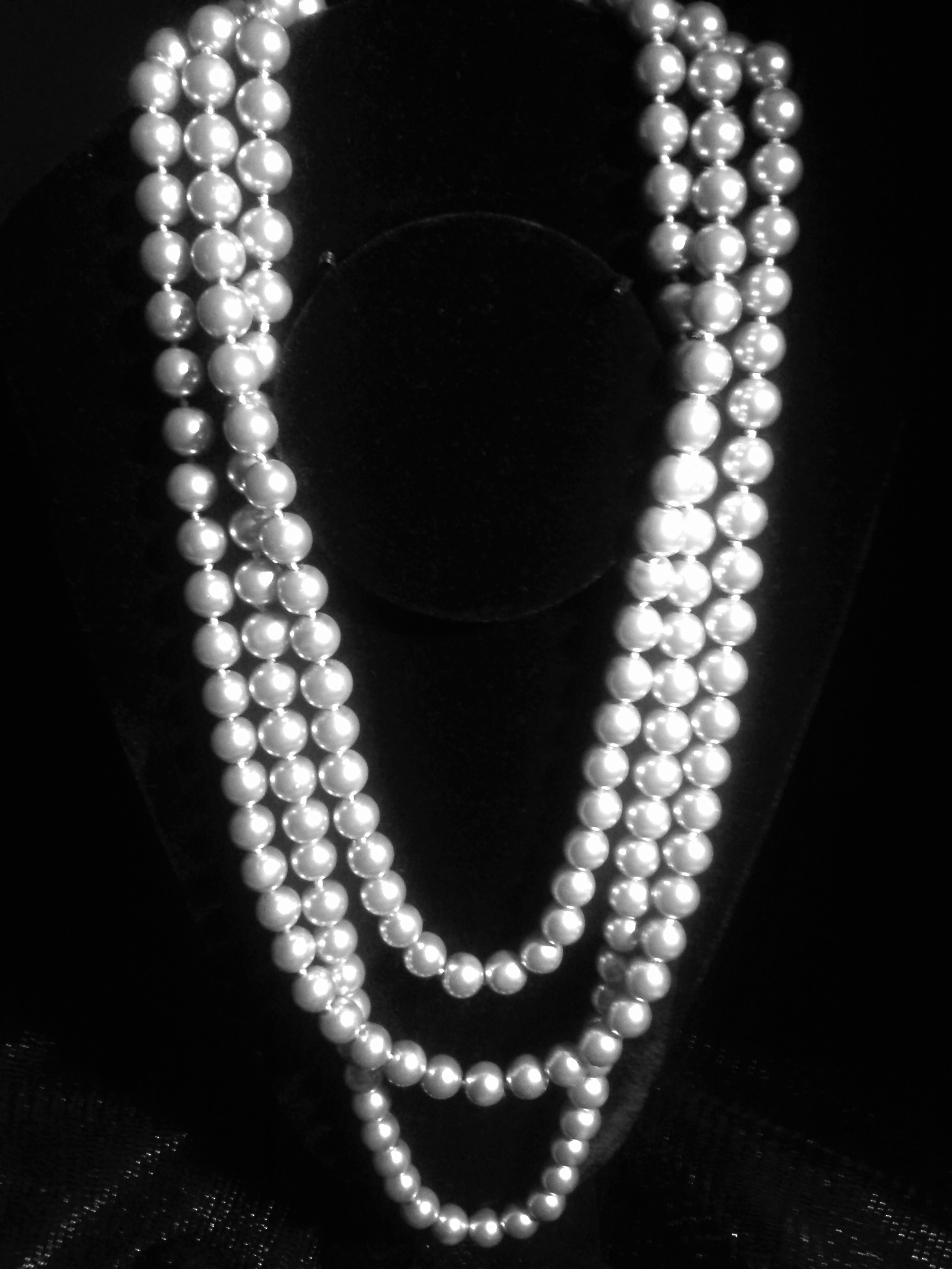 Shown Wrapped Multiple Times For The Multistrand Effect The Necklace Can  Be Worn Unwrapped For The Look Of An Extra Long Single Strand Pearl Necklace